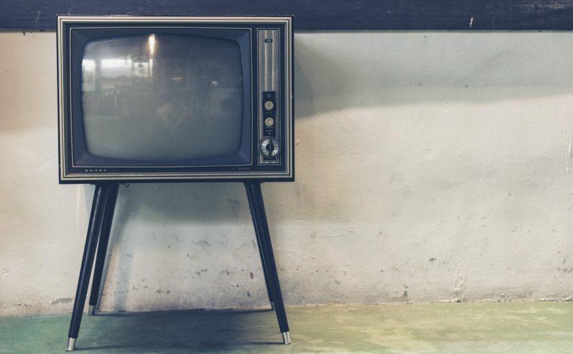 Rodzinny wypoczynek przed tv, lub niedzielne serialowe popołudnie, umila nam czas wolny ,a także pozwala się zrelaksować.